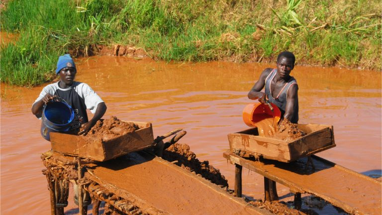 Comparing the True Costs of Gold Mining in Africa With Those of Bitcoin Mining