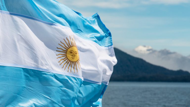 Argentine Lawmaker Presents Bill Enabling Workers to Receive Salary in Cryptocurrency